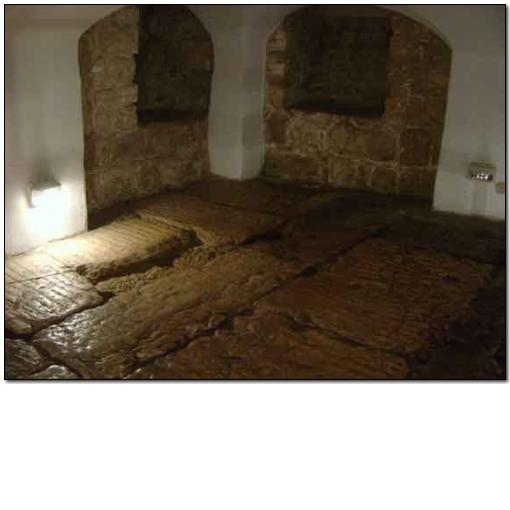 Photo: photo16 Cells under Ecce Homo Convent