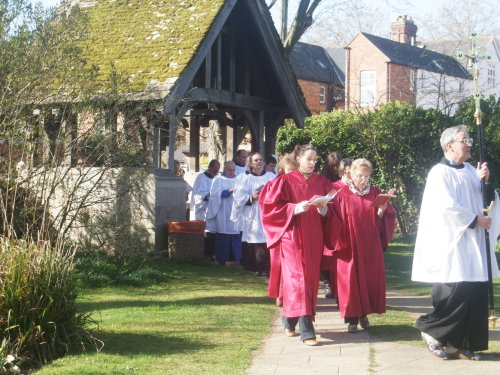 The Choir returning to the Church